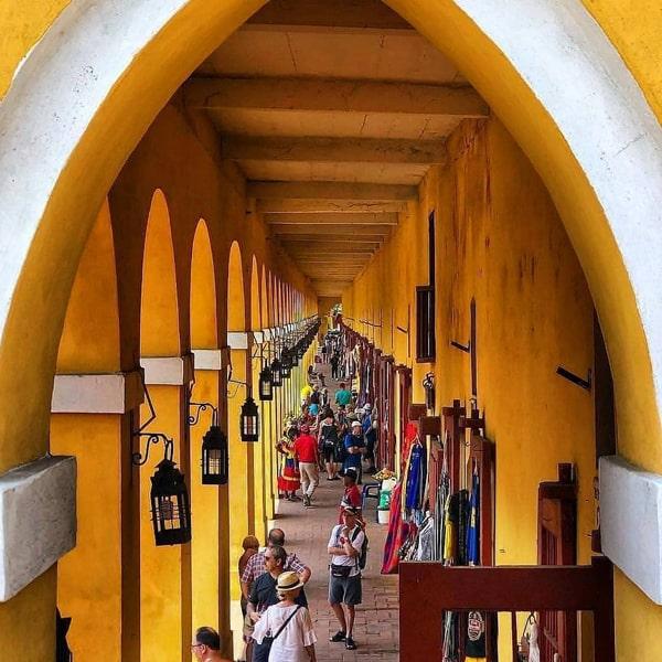 Albitours Cartagena, city tours, City Tours Cartagena, tours Cartagena de indias, sitios turísticos Cartagena, lugares de interés cartagena, chiva rumbera, letras de cartagena, centro historico