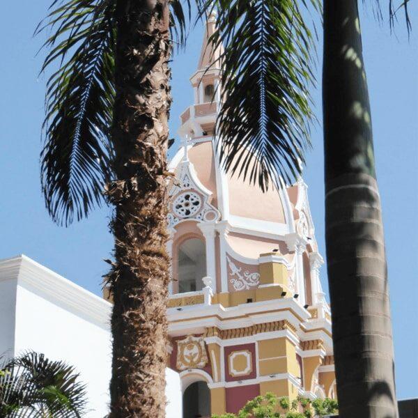 City tours cartagena, planes en cartagena, paseo en chiva, chiva rumbera, albitours, sitios turisticos en cartagena, planes economicos en cartagena, castillo san felipe, turismo en cartagena