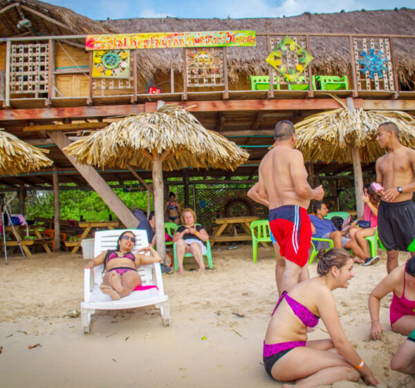 Albitours, tours isla del rosario playa blanca en lancha, tours islas del rosario, playa blanca baru, turismo cartagena, baru, islas del rosario en lancha, cartagena, turismo en cartagena 2