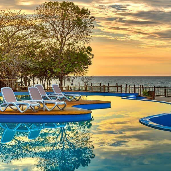 Tours islas del rosario, pasadia islas del rosario, turismo en cartagena, planes en cartageba, isla del encanto, tours islas del encanto, isla del encanto