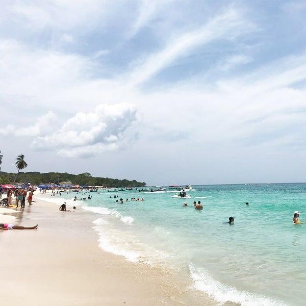 Tours islas del rosario en barco, tours islas del rosario en yate, oferta tours islas del rosario, islas del rosario Cartagena, islas del rosario Colombia, planes en Cartagena, que hacer en Cartagena, playas de baru, Albitours Cartagena
