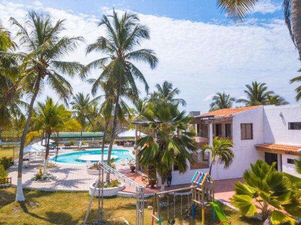 Albitours, pasadia tierra bomba, palmarito beach, playa palmarito beach, turismo en cartagena, isla tierra bomba, cartagena, pasadia palmarito 3