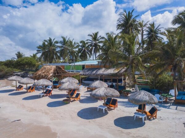 Albitours, tierra bomba, palmarito beach, playa palmarito beach, turismo en cartagena, isla tierra bomba, cartagena, pasadia tierra bomba, pasadia palmarito beach 7
