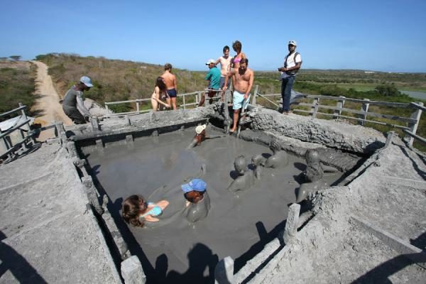 planes en cartagena, volcán del lodo, volcán del totumo, albitours, turismo en cartagena, planes ecológicos en cartagena, planes económicos 9