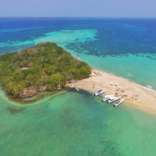 Albitours, tours islas del rosario, tours bendita beach, turismo en cartagena, bendita beach, islas del rosario, playa bendita beach, cartagena, 01