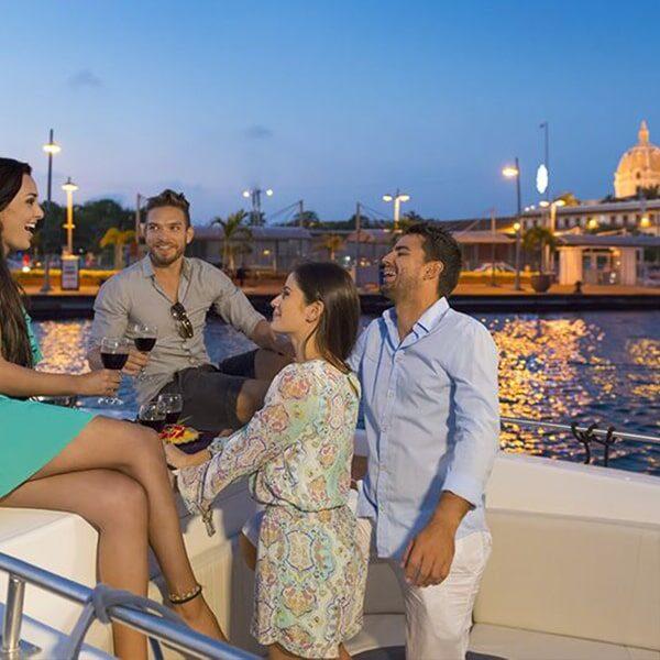 Planes Nocturnos Alquiler De Lanchas En Cartagena